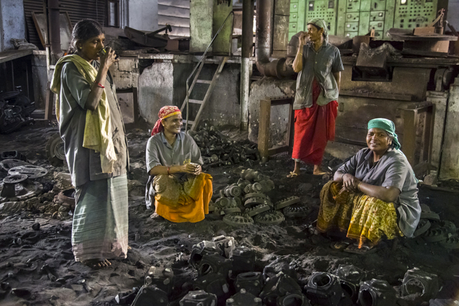 Feminine grace in an Indian Foundry - Coimbatore, India 2013